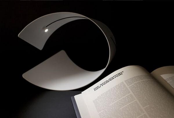 Rocking Light, минималистичная и стильная лампа-качалка