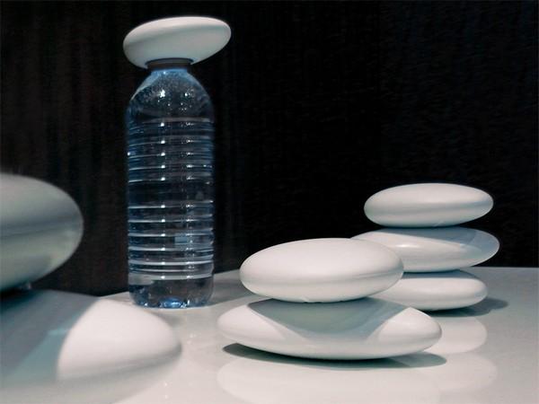 Галька-открывалка Water=Life для пластиковых бутылок