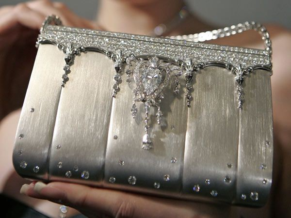 Платиновая дамская сумочка от GinzaTanaka