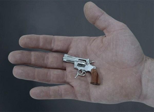 Самый маленький револьвер