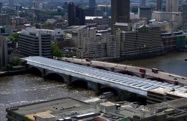 Лондонский Blackfriars Bridge – самый длинный в мире солнечный мост