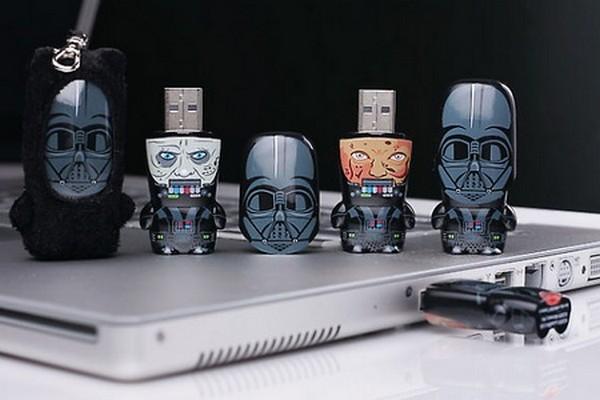USB-флешка Darth Vader из серии флешек о *Звездных воинах*