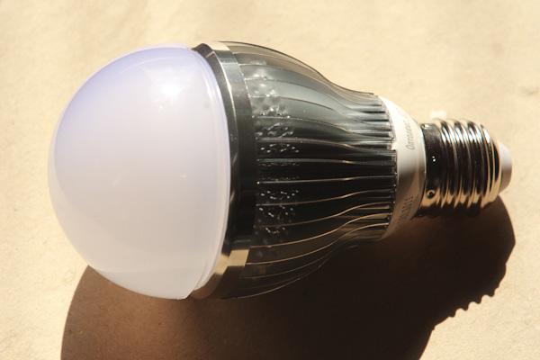 Светодиодная лампа «Оптолюкс-Е27» не содержит стекла и опасных веществ, таких как ртуть и свинец.