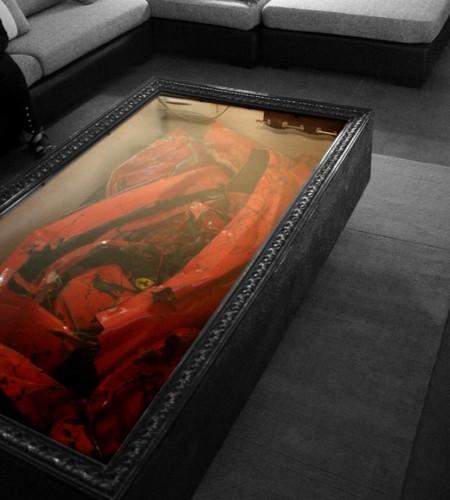 Стол из разбитого Ferrari
