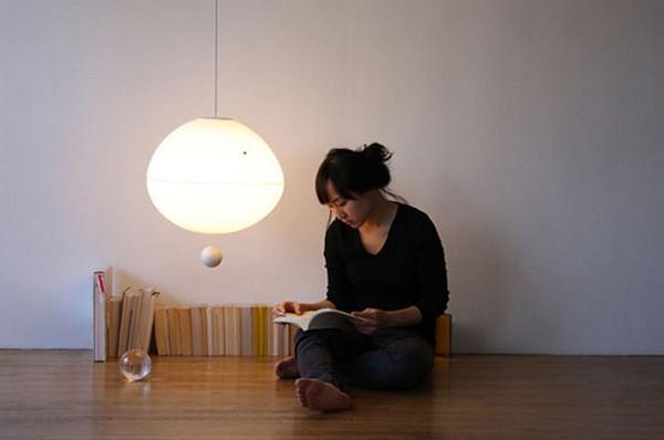 Fiat Lux Lamp, светильник-планета с выключателем-спутником