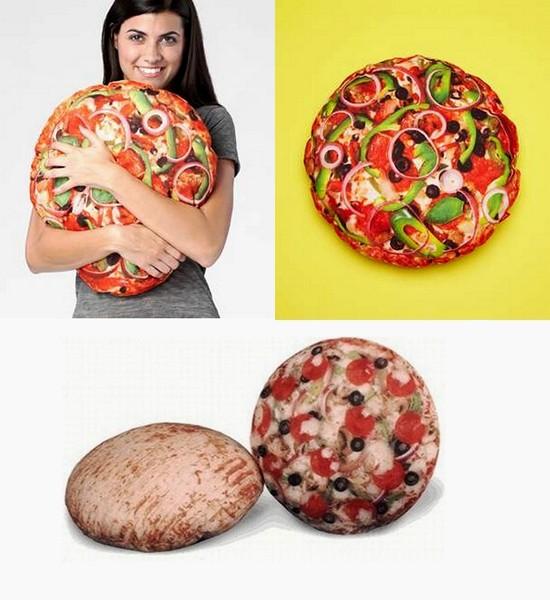 Подушки, сделанные в виде пиццы