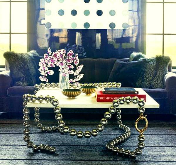 Стол-украшение Necklace Table с ножками из нитки бус