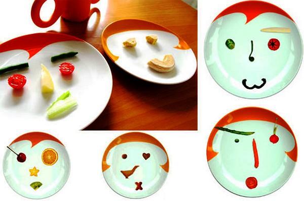 Красочные детские тарелки