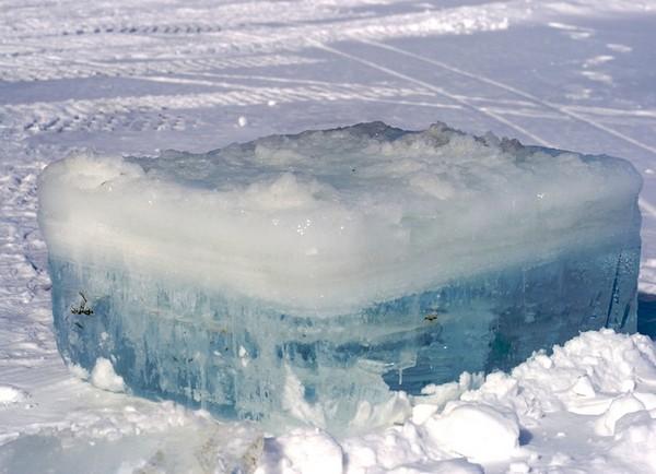 Глыба льда для охлаждения Улан-Батора