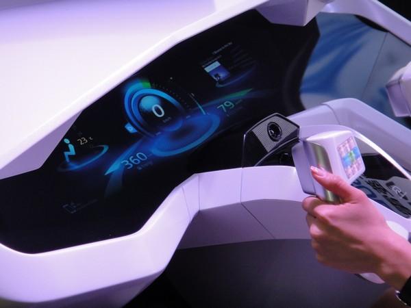 EMIRAI – система управления автомобилем будущего от Mitsubishi