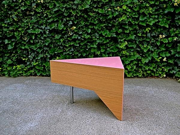 Отдельно стоящий кусочек торта. Элемент проекта Cake Table как самостоятельный предмет мебели