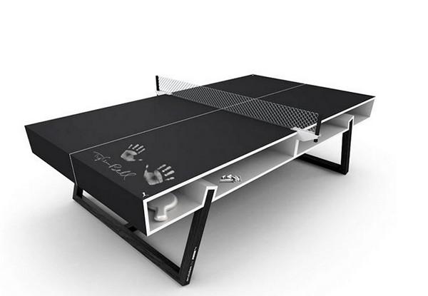 Стол для тенниса - и записей, сделанных мелом