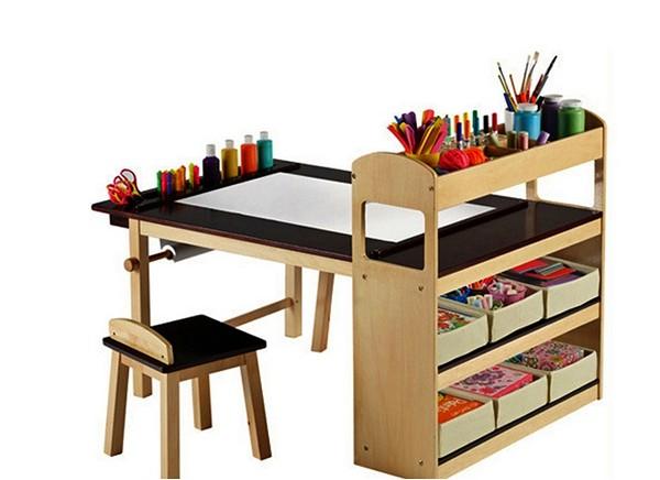 Стол для маленького художника