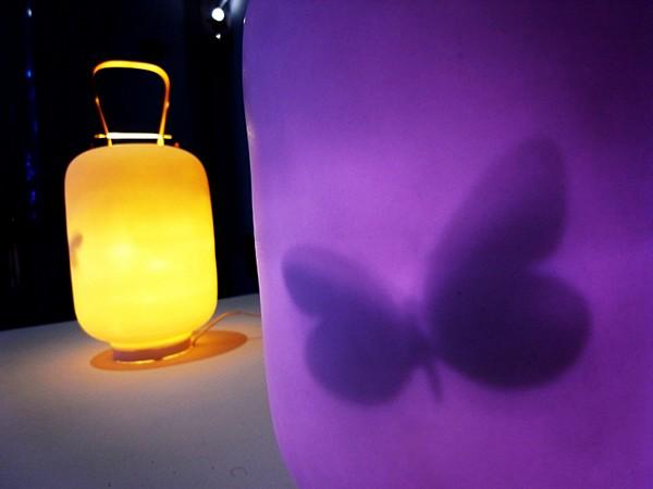 Lantern, японский светильник с бабочкой внутри