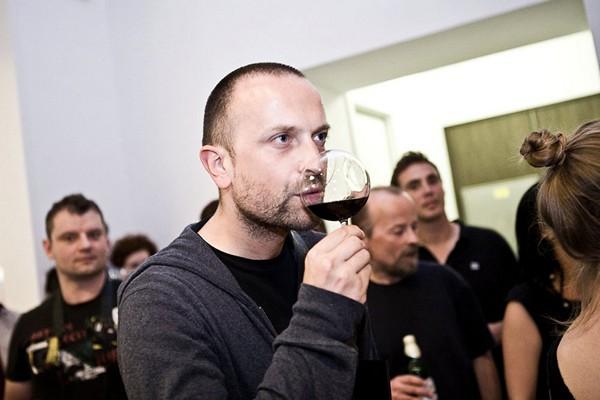 Революционные бокалы rEvolution Wine Glass от чешского автора Martin Jakobsen