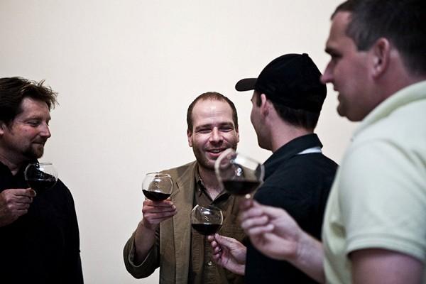 Нетрадиционные бокалы для традиционного застолья. Серия rEvolution Wine Glass