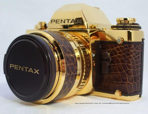 Коллекционный фотоаппарат Pentax LX Gold из 18-каратного золота