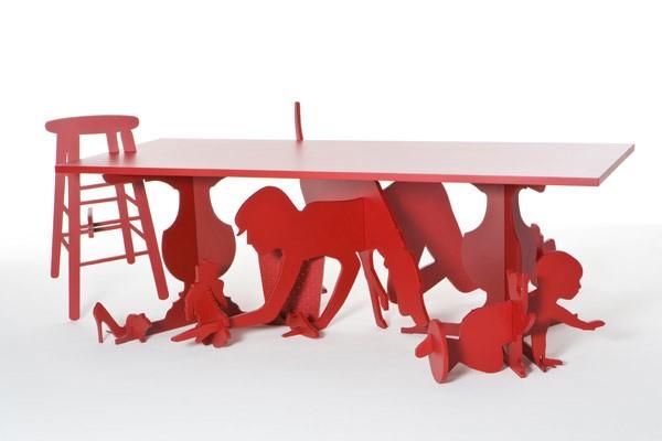 Жизнь, которая кипит под столом. Проект Under Table от Goncalo Campos