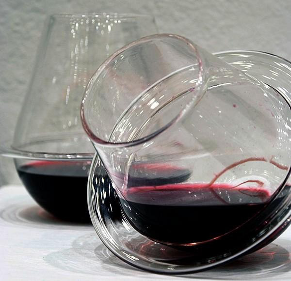 Saturn Wine Glasses, необычные бокалы, вдохновленные кольцами Сатурна