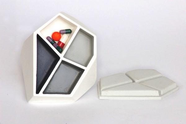 *Сад камней* в виде коробочек для лекарств от Celine Forestier
