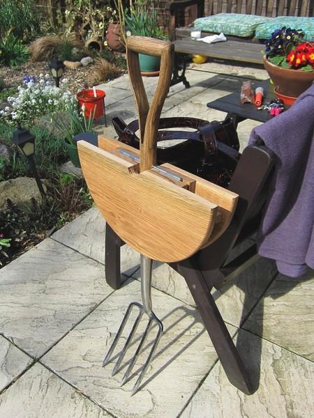Garden Fork Table, мебель для сада, полезная для работы и отдыха