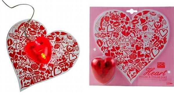 Мышка и коврик в виде сердца
