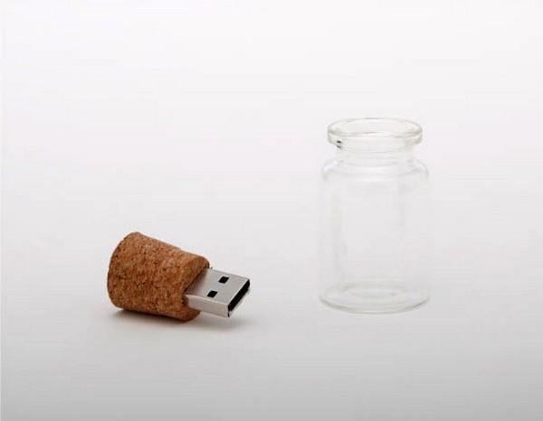 Hum Blank, USB-флешка в мини-бутылочке
