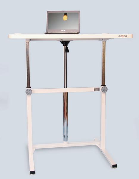 Стол с регулируемой высотой модель Decart. Положение стоя.