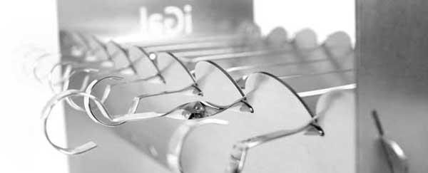 Каждый айГал снабжен G-Системой для вращения шампуров
