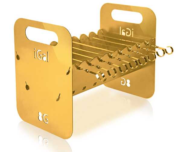 На изготовление iGal 8G с набором шампуров понадобилось 20 кг чистого золота