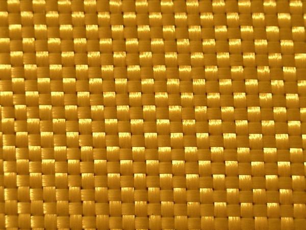 Кевлар обладает высокой прочностью. Этот удивительный материал в пять раз прочнее стали
