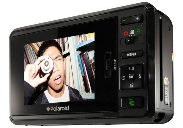 Polaroid Z2300 – первенец нового поколения мгновенных камер