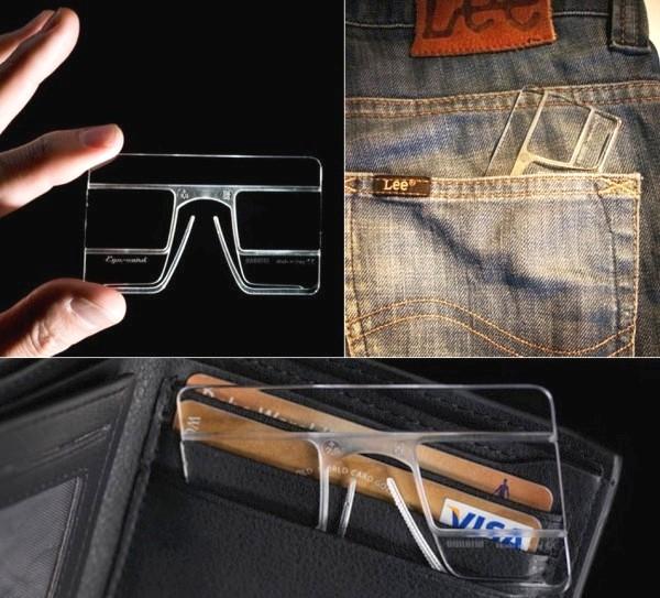 Пластиковая карточка EyeCard, способная заменить оптические очки
