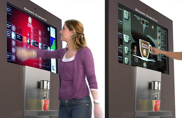 Интерактивная кофемашина с тачскрином и новостями