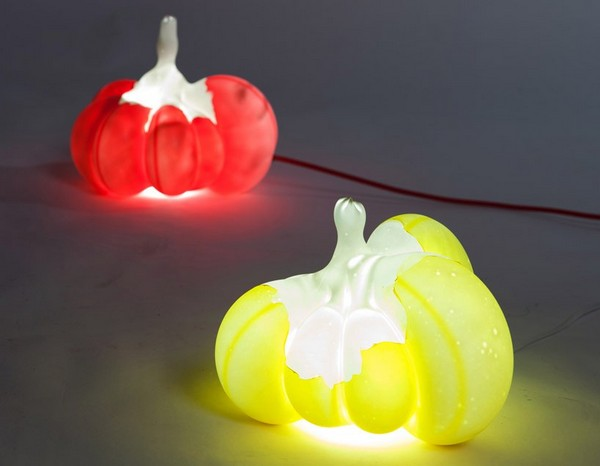 Blowing Molds, латексные светильники в виде деформированных воздушных шаров