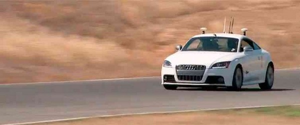 Гоночные заезды Audi TTS на автопилоте