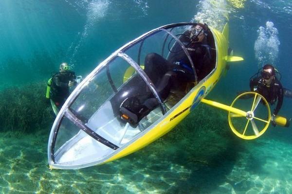 Scubster — желтый подводный велосипед