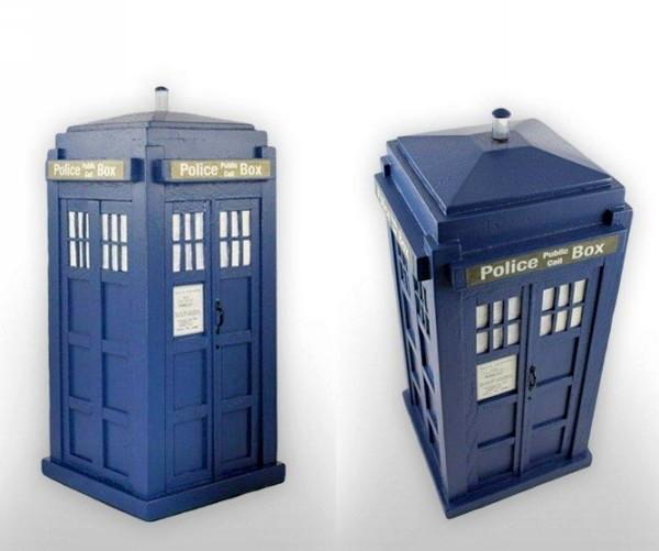 Погребальная урна в виде ТАРДИС для фанатов сериала «Доктор Кто»