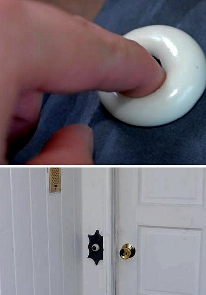 Дверной звонок в виде глазного яблока