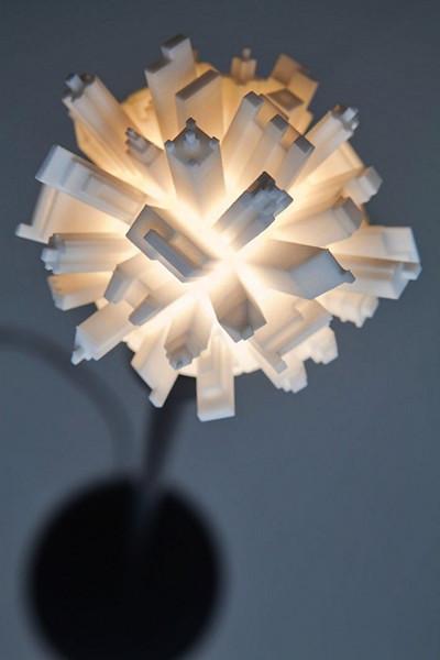 Huddle от Дэвида Грааса. Необычная лампа в виде планеты-мегаполиса