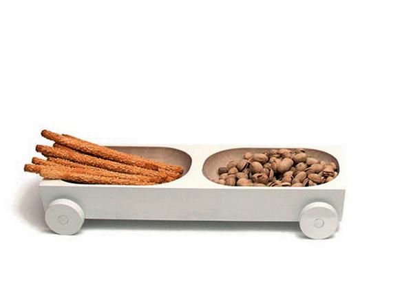 Kart: дизайнерские тарелки на колесиках