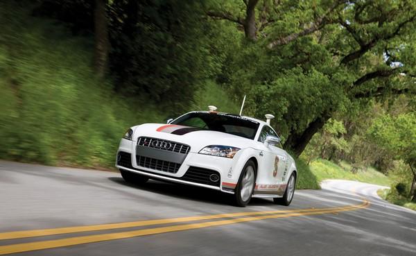 Автопилот на автомобилях AUDI