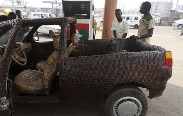 Плетеный автомобиль от Оджо Обании (Ojo Obaniyi)
