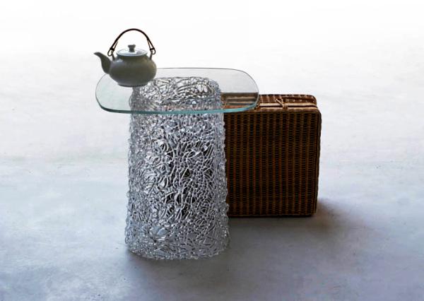 Стеклянный журнальный столик, имитирующий Macrame