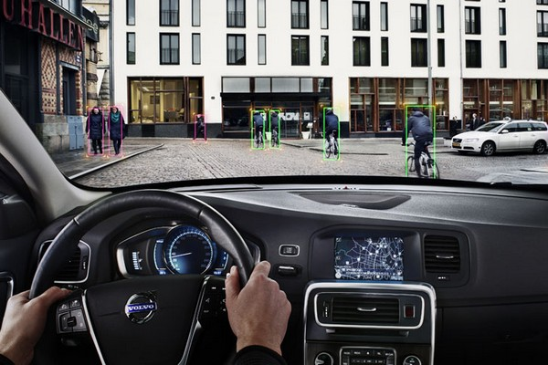 Безопасный-безопасный Volvo: автоматическая система защиты от столкновений
