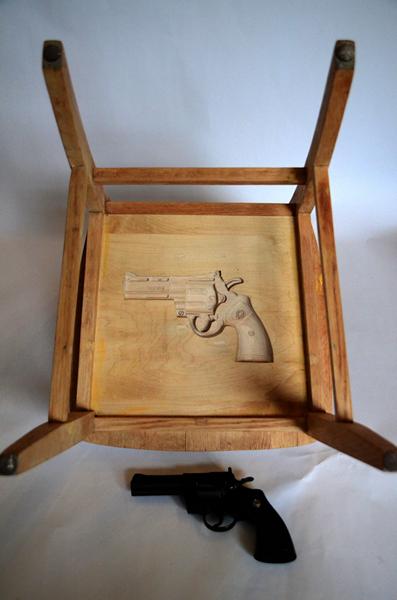 Вооруженные стулья New York Chairs от Себастьяна Эрразуриса (Sebastian Errazuriz)