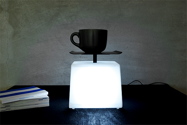 Концептуальная лампа-весы Light=Weight Lamp от Junji Kawabe