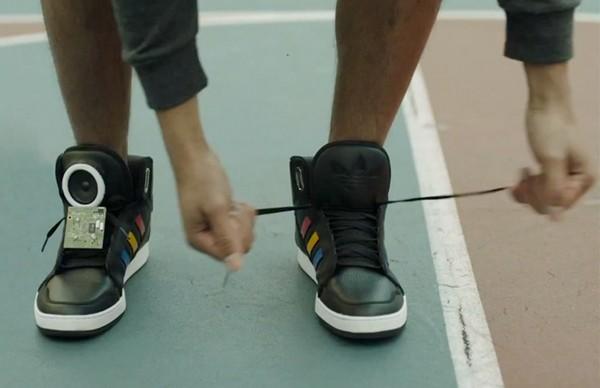 Google Talking Shoes – умные кроссовки для активных и интерактивных людей