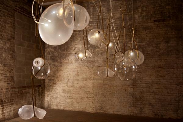 Catch pendant light: светильники-сачки для охоты за светом