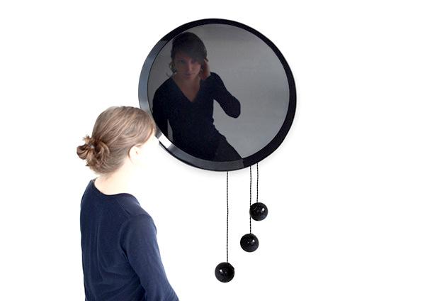 Coulisse mirror, интересное зеркало с магнитными сферами